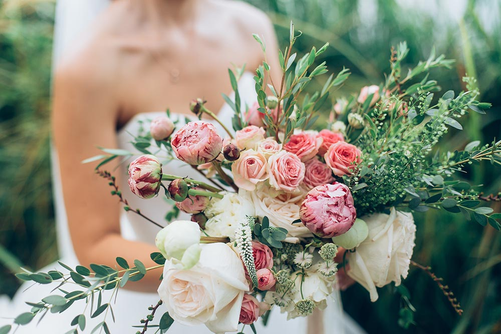 bridal bouquet inspiration for rescheduled fall wedding in 2020